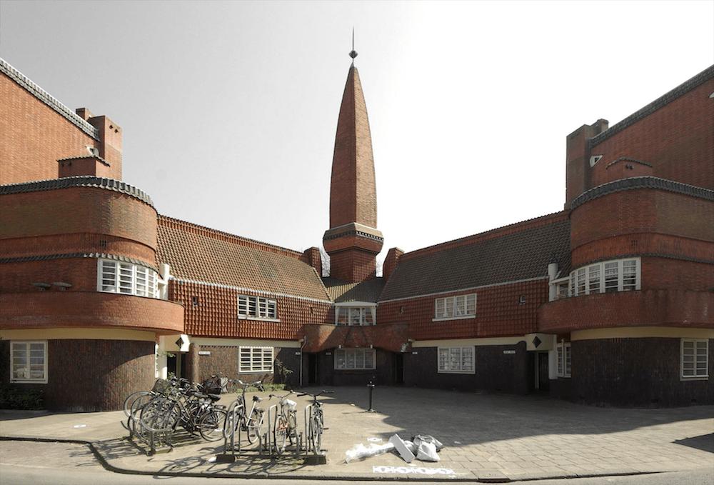 Wohnkomplex Het Schip, Michel de Klerk, 1917—1921, Amsterdam, NL