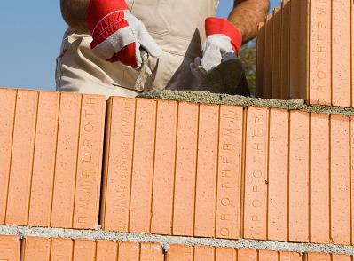 Bild 7-14 bis 16: Verarbeitung Mauerwerk mit Normalmauermörtel / Wärmedämm-Mauermörtel