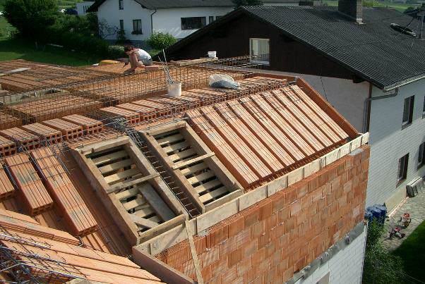 Bild 7-35: Verlegung Deckenziegel für Ziegelmassivdächer und Decke