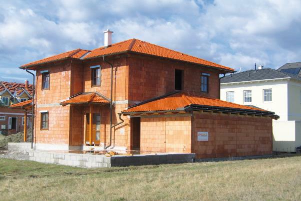Bild 7-46: Ziegelrohbau in Fertigteilbauweise – Einfamilienhaus